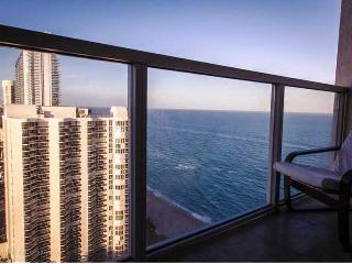 LA PERLA CONDO UNIT 2206 3 BEDROOMS - 3 BALCONIES, Sunny Isles Beach