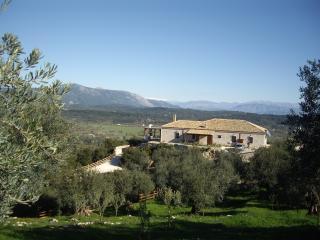 Villa Fioretta in Corfu with pool & amazing view, Corfú