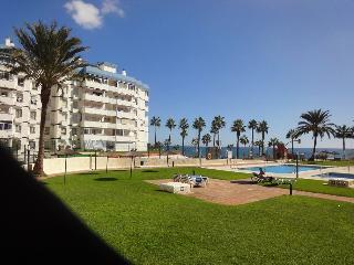 1ª linea playa piscina abierta todo el año. Wifi, Benalmadena