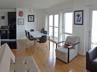 Modern three bedroom apartment Rer:0159, London