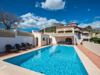Villa Calliander -  6 bedrooms, private pool and air conditioner.