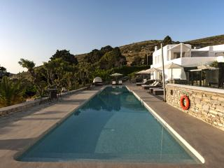 Paros Butterfly Villas 1 with common pool, 1 in Tripadvisor
