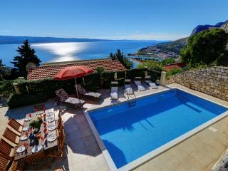 Villa with private pool and outstanding sea views, Omis