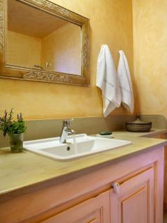 Bathroom | Diles & Rinies Estate | Villas in Tinos