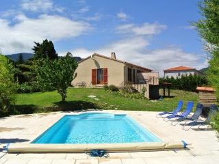 Comfortable holiday home for 6 with private pool., Caudies de Fenouilledes