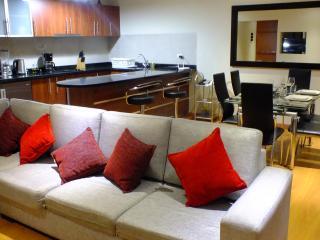Premier Casa - Elegant  bdrm condo, Lima
