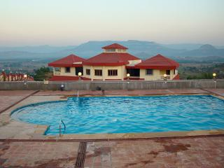 Dazzle - 7 Bed Private Pool Karjat Villa
