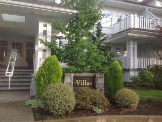 Luxury Character Condo, Qualicum Beach