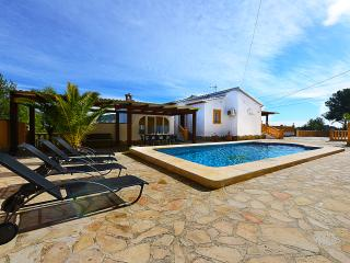 Villa Iris - Private pool, with partial air conditioner and BBQ.