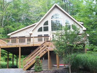 Silver Seasons Lodge - $100 OFF - Arrowhead Lake, Lago Pocono
