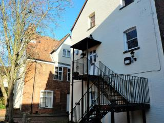 Luxury 2 bed apartment | Parking | near Cathedral