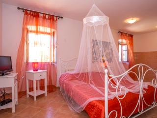 TH00045 Apartments Violeta/ Studio A2, Bale