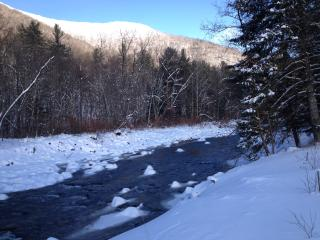 Sanctuary by the Stream - close to ski centers - lower winter prices in effect