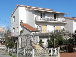 2451 A2 Desni (3+2) - Zadar