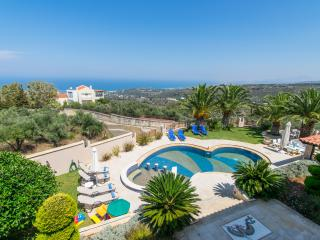 5 bedrooms luxury villa near Rethymno town