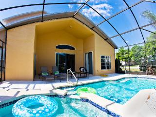 Luxury Home, 5 minutes from Disney, Spa and Wii!