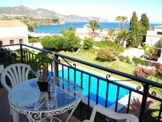 Apt. with views,pool Nerja