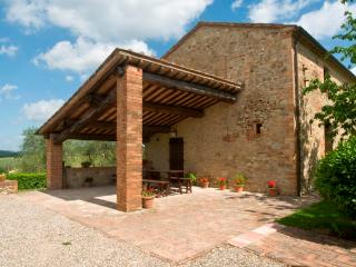 Poggino 9. Apartment with pool in the Chianti