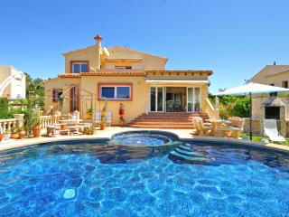 VILLA COSTERES: private pool, aircon, bbq, wifi