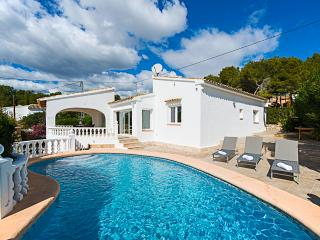 VILLA BONITA: private pool, aircon, bbq, free wifi, Benissa