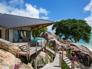 Luxury Villa in Praslin by AdventureSeychelles, Au Cap