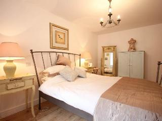 Double Bedroom with shared Travatine bathroom