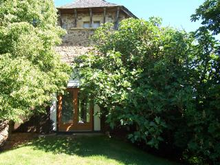 La Maison au Romarin, Safaritents, Gîte and lake