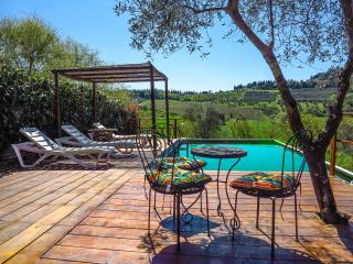 Porzione di Casale nel Chianti con piscina panoramica, Tavarnelle Val di Pesa