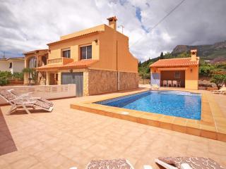 VILLA BENICOLADA: private pool, bbq, free wifi, Calpe