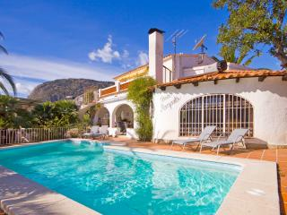 Villa Axel -  Close to the beach with private pool and BBQ., Calpe