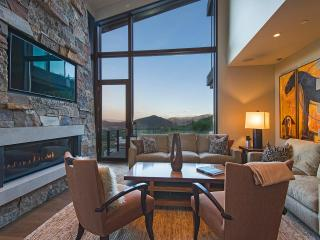 The Enclave - 5BR Home in Sun Peak Canyon, Park City
