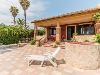 VILLA ROSSA near the beach and with wi.fi, Avola