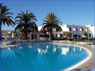 Windmill Hill townhouse, pool, close to beach