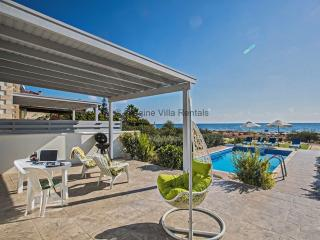Gorgona Villa 14, Front Line Villa with pool