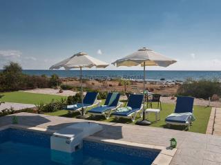 Gorgona Villa 14, Front Line Villa with pool
