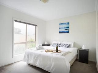 Cosy 2 Bedroom Apartment in Melbourne Ringwood