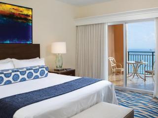 Half price Studio on the beach at 4 Star Resort, Fort Lauderdale