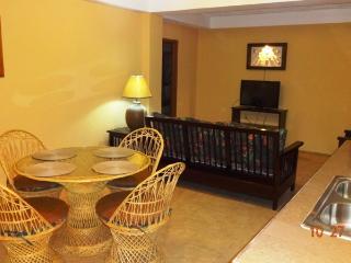 Hummingbird Suites- 2 BDR/2 BA Suite, San Pedro