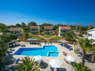 Liakas Village  apartment 5 - breakfast, pool, tennis court & uncut sea views., Spartia