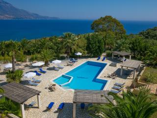 Liakas Village  apartment 4 - breakfast, pool, tennis court & uncut sea views., Spartia