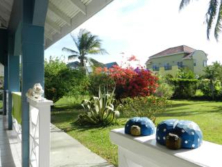 2 Bedroom Bungalow near beach and hub of activity, Bon Accord