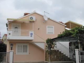 TH01601 Apartments Škarpa / Two bedroom A4, Rogoznica
