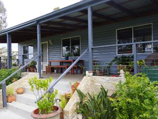 Finchley B&B Wandandian (pet friendly), Jervis Bay