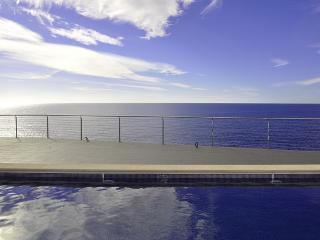 Villa moderna junto el mar, 4 habitaciones, Cala Pi