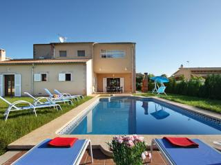 XIMO- Luxury villa 8 pax in Crestatx, MALLORCA. 4 bedrooms Private pool. Private