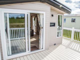 Luxury Platinum Static Caravan with decking, Flookburgh