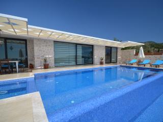 Luxury villa Üzümlü/2 Bedrooms /5 min stay, Kalkan