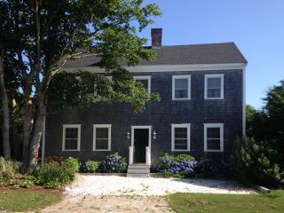 Nantucket Colonial Abuts Conservation Area