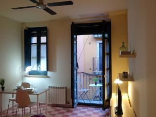 apartamento con balcon, Girona