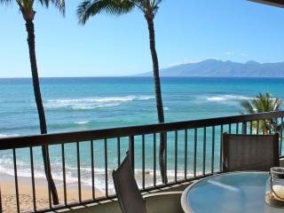 Beautifully Renovated Premium Oceanfront Penthouse, Honokowai